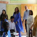kate-middleton-william-delighted-meeting-pupils-a