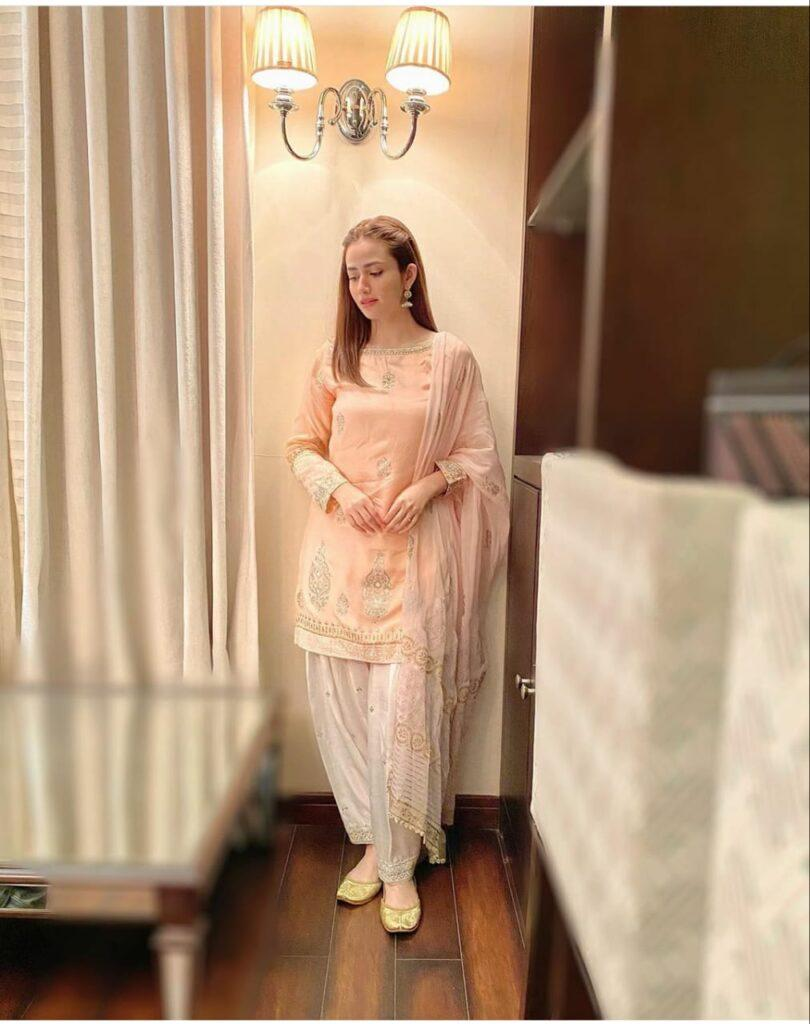 A sneak peek in Sana Javed and Bilal Abbas's exciting drama.