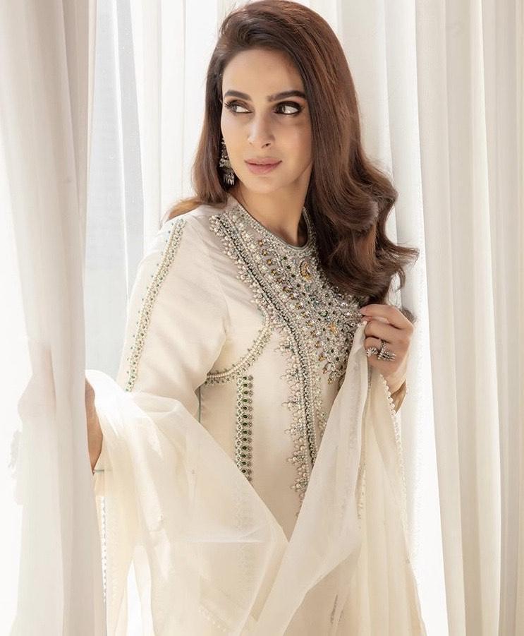Saba Qamar Takes Dig On Pakistani Actors For Criticizing Ertgrul Ghazi