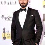Fawad_khan_at_grazia_young_faishon_awards