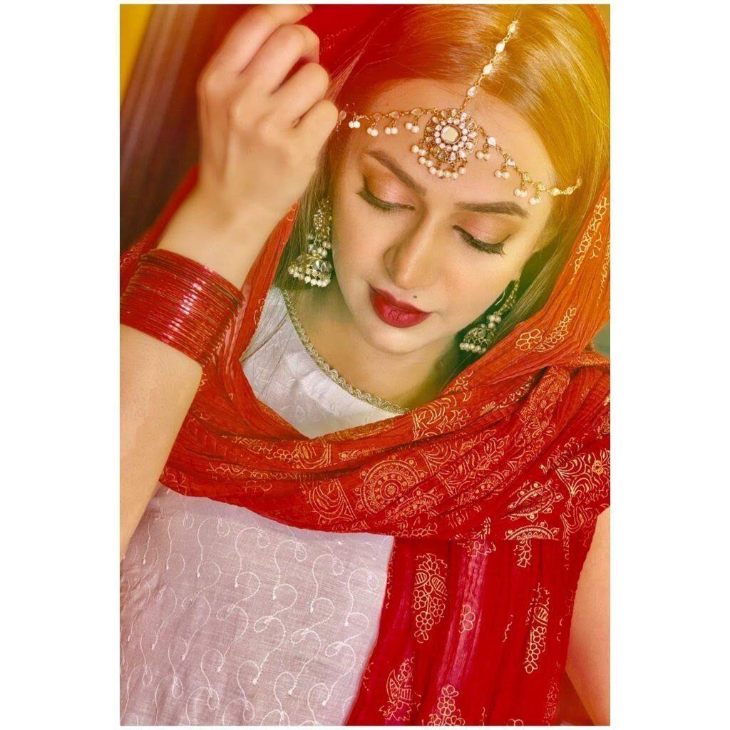 Actress Hiba Khan tied the knot