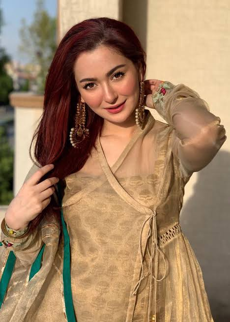 Hania Aamir mesmerize her fans with her singing talent