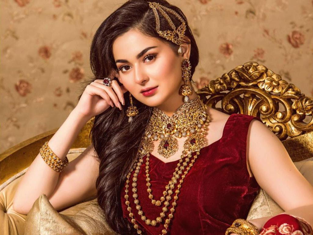 top controversial moments of Hania Aamir