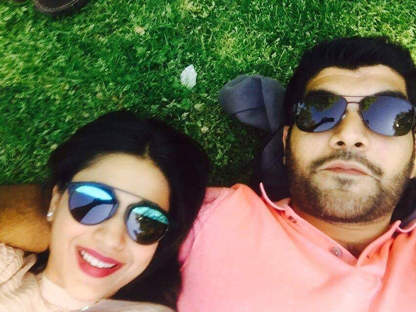 Sanam Jang reveals why her and her husband live separately!